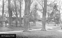Chenies, Village And Church c.1950