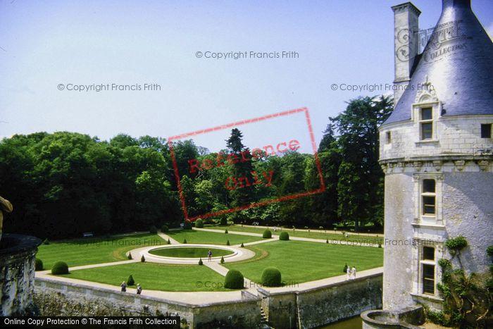 Photo of Chenonceaux, Chateau De Chenonceau, Catherine De Medici Garden c.1984