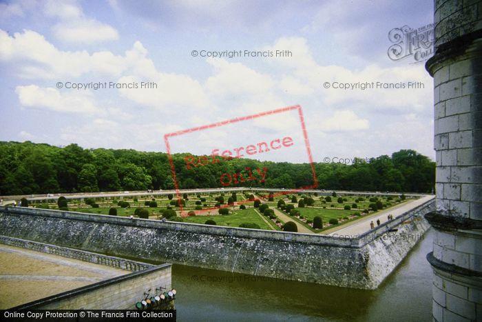 Photo of Chenonceaux, Chateau De Chenonceau, Diane De Poiters Garden c.1984