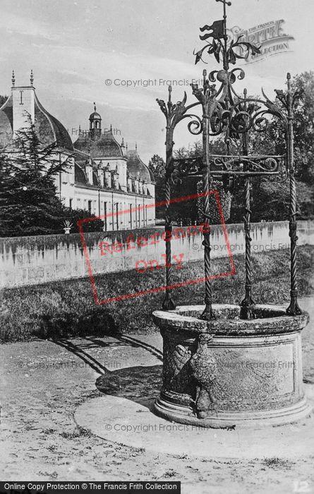 Photo of Chenonceaux, Chateau De Chenonceau, Well c.1930