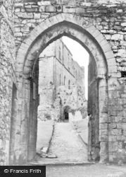 Chepstow, Castle Looking Towards Second Court 1938
