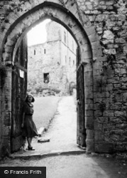Chepstow, Lady At The Castle 1949