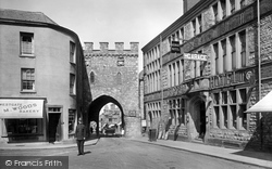 Chepstow, The Town Gate 1925