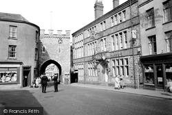 Chepstow, Town Gate And The George Hotel  1957