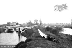 Chertsey, Lock And Bridge 1890