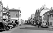 Chertsey, London Street c1955