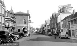 Chertsey, London Street 1954