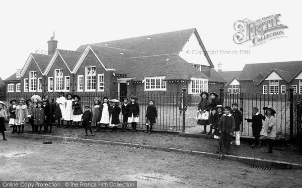 Photo of Chertsey, School 1908