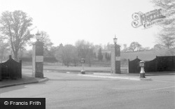 Chertsey, St Peter's And Botley's Park Hospital Entrance 1954