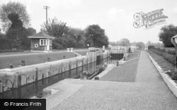 Chertsey, The Lock 1968