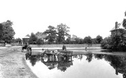 Chertsey, the Pond 1908
