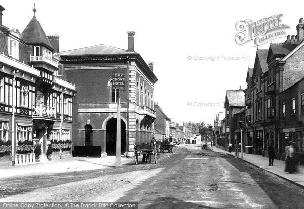 Chertsey, Town Hall 1904