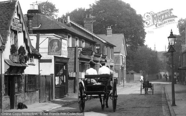 Photo of Chertsey, Trap In Guildford Street 1908