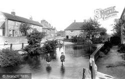 Chesham, Waterside, From Lord's Mill 1906