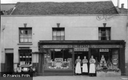 Grocers / Hardware Shop, 110 High Street c.1950, Cheshunt