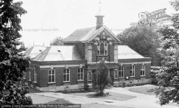 Photo of Cheshunt, Public Library c.1955