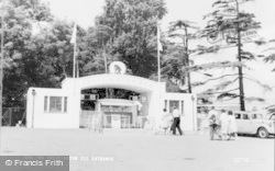 Chessington, Zoo Entrance c.1965
