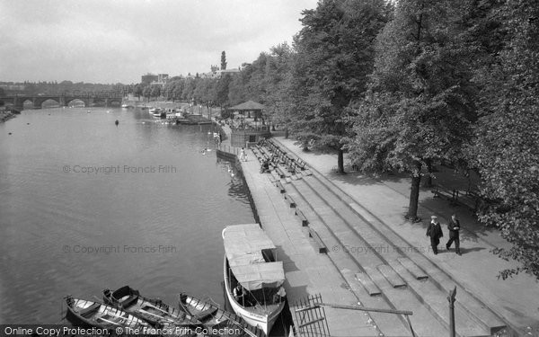 Photo of Chester, the Groves 1949, ref. C82070