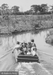Chester Zoo, Boating Trip On The Canals c.1950