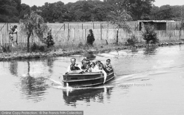Photo of Chester Zoo, Motor Boat c.1950