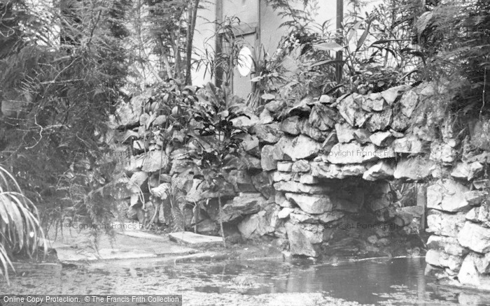 Photo of Chester Zoo, Winter In The Reptile House c.1950