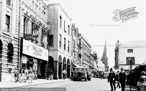 Chesterfield, High Street c1960