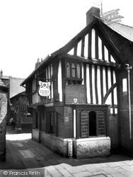 The Royal Oak, Oldest Inn c.1960, Chesterfield