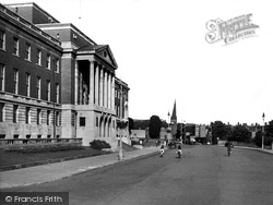 Chesterfield, The Town Hall And Rose Hill c.1955