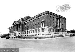 Chesterfield, Town Hall c.1955