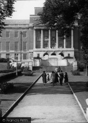 Town Hall Entrance 1954, Chesterfield