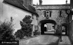 Chichester, Canon Gate c.1960