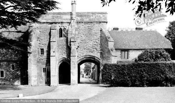 Photo of Chichester, Entrance to Bishops Palace c1960, ref. C84065