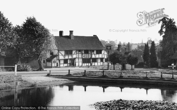 Photo of Chiddingfold, The Pond And Crown Inn c.1955