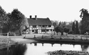 Chiddingfold, the Pond and Crown Inn c1955