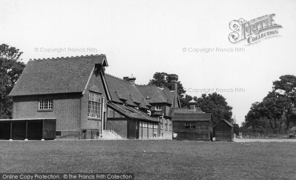 Chigwell School exterior © Copyright The Francis Frith Collection 2006. http://www.francisfrith.com