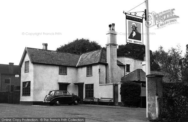 Photo of Two Brewers PH, Chigwell Row, c.1955