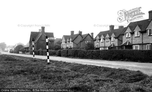 Photo of Chigwell Row, Village School and Common c1955