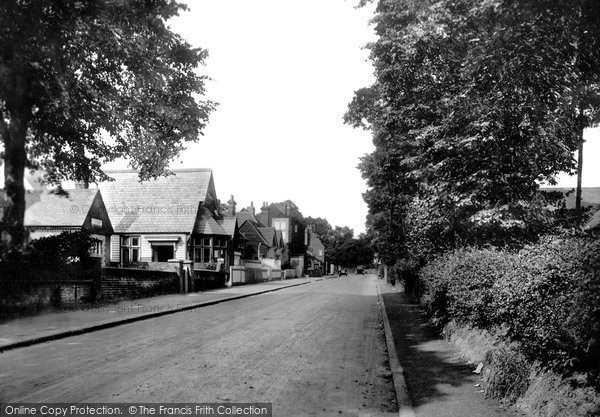 The Village, Chigwell, 1955  © Copyright The Francis Frith Collection 2006. http://www.francisfrith.com