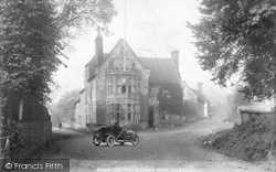 Chilham, The Woolpack Hotel c.1905