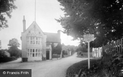 Chilham, The Woolpack Inn 1913