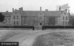 Littlecote House 1958, Chilton Foliat