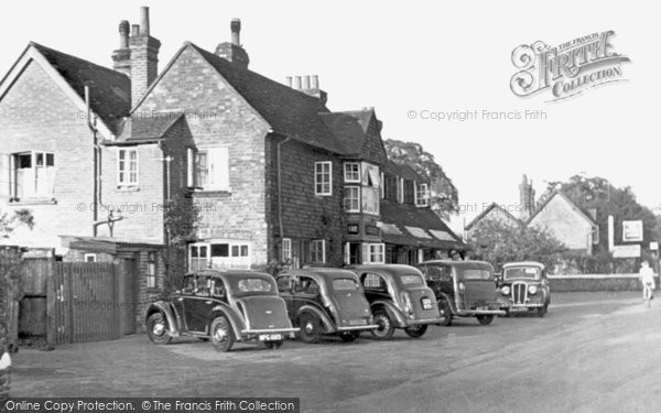 Chilworth, The Percy Arms, c.1955. Reproduced courtesy of The Francis Frith Collection