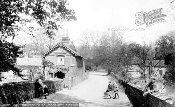 Chilworth village, 1906. Reproduced courtesy of The Francis Frith Collection