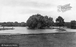 Chingford, Connaught Waters 1903