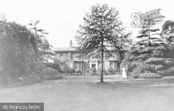 Chingford, Green, The Lodge c.1905
