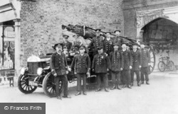 Chingford, The Fire Brigade And Fire Engine c.1905