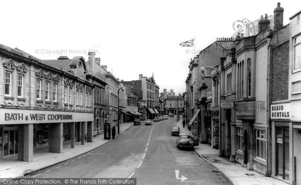 Photo of Chippenham, High Street c.1960
