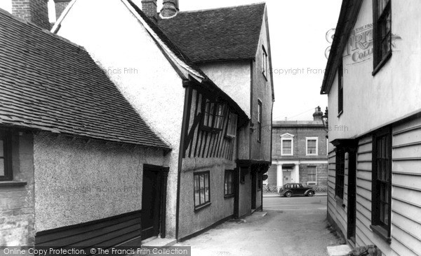 Photo of Ongar, the Old Town c1950, ref. O19025