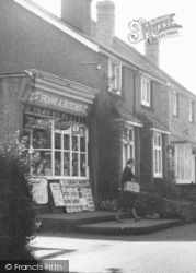 Chipstead, High Road Newsagent c.1960