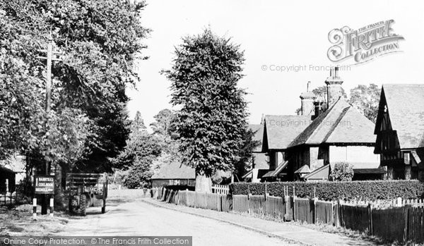 Photo of Chipstead, Shabden Cottages c.1955